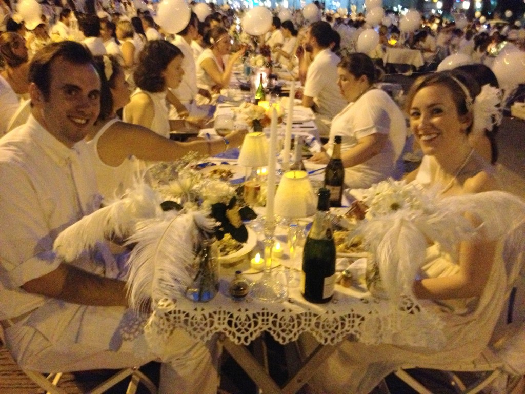 Pretty table at Philadelphia Diner En Blanc 2013 // Her Philly