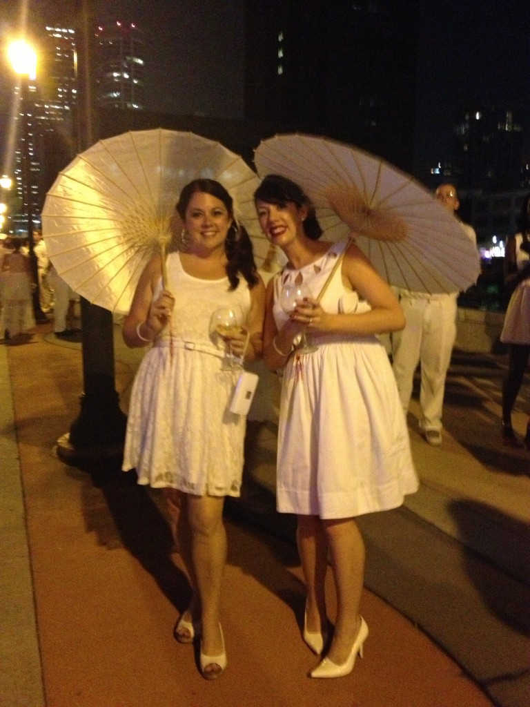 Cute accessories for Diner En Blanc // Her Philly