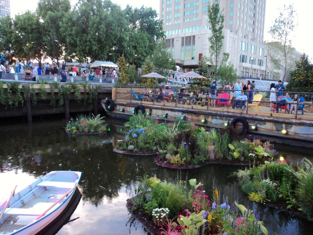 The new Spruce Street Harbor Park // Her Philly