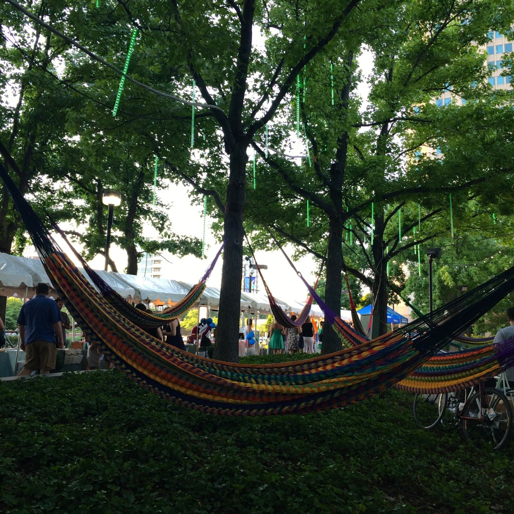Spruce Street Harbor Park Hammocks // Her Philly